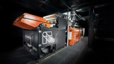 TOMRA Recycling innova en soluciones de clasificación de hojuelas de plástico