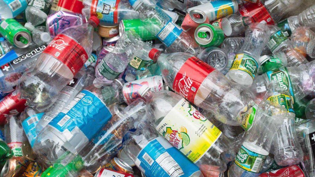 Transforman plástico en hidrógeno limpio con un nuevo y rápido proceso