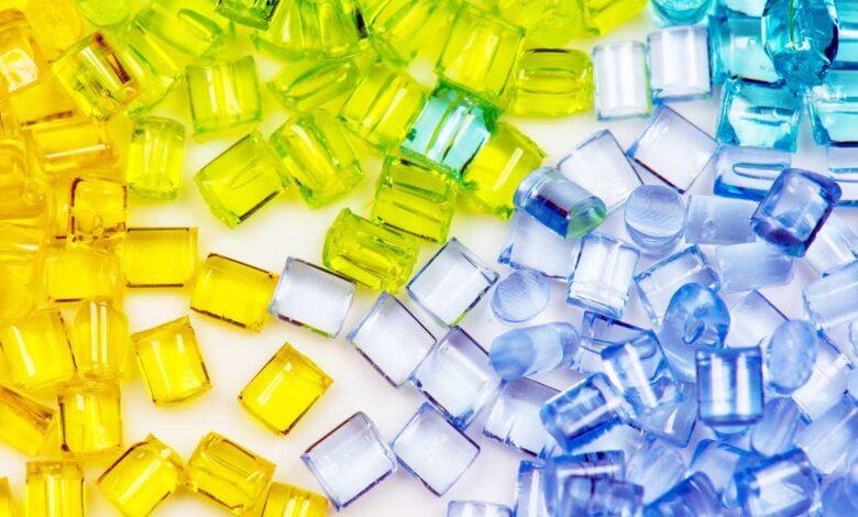 Precios de resinas plásticas bajan a medida que aumenta la oferta