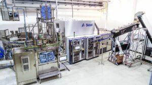 Sidel prioriza los objetivos de higiene y sostenibilidad para el agua mineral sin gas de Apemin Tusnad